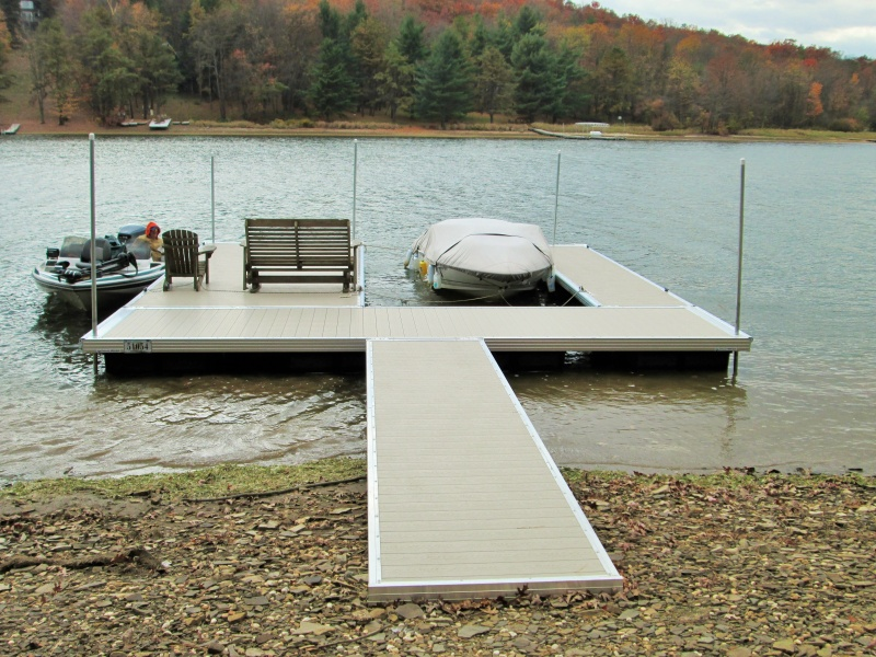Residential U Shaped Aluminum Dock from Lakeside Dock Sales in Maryland